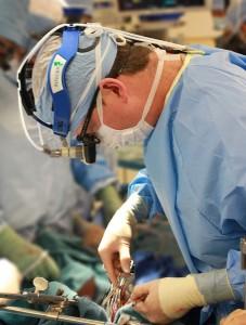 surgeon-1049535_640